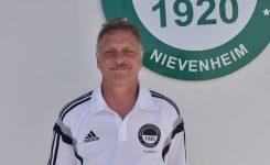 Peter Hanschmann bleibt in Nievenheim